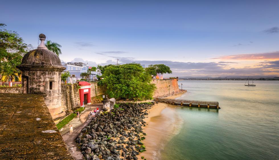 Una de las torres del castillo San Felipe del Morro, construido durante la colonia en el Viejo San Juan.  Foto: Istock