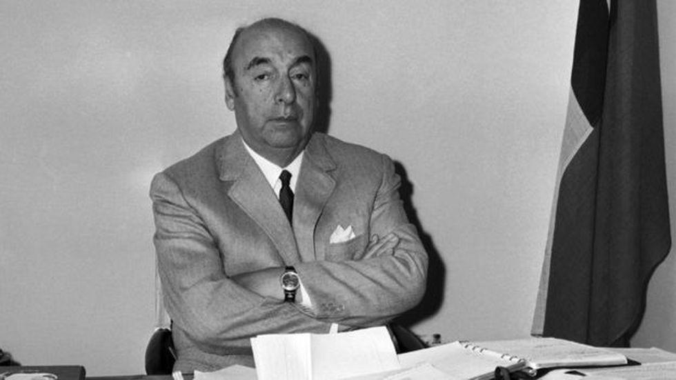 Neruda nunca mencionó en público a su hija, ni siquiera en sus memorias.