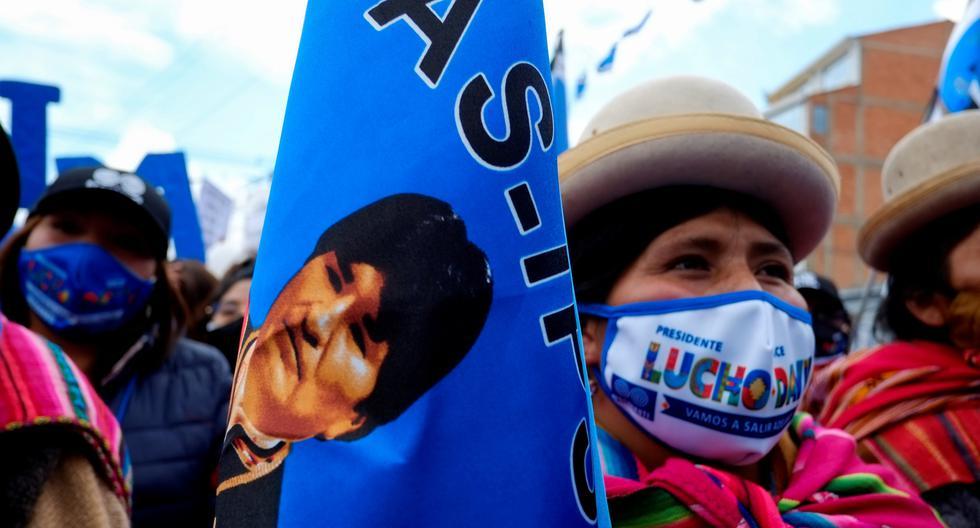 El cierre de campaña del exministro de Economía Luis Arce, que ocupa el primer lugar en las encuestas, estuvo lleno de alusiones a Evo Morales. Todo indica que será necesaria una segunda vuelta entre Arce y el expresidente Carlos Mesa para conocer al nuevo mandatario de Bolivia. (Foto: Reuters / David Mercado)