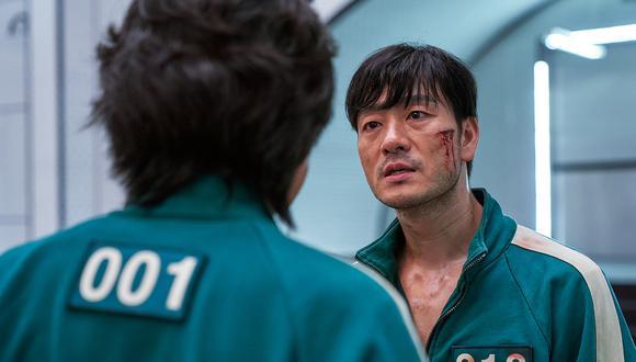 """Seong Gi-Hun y Park Hae Soo en una escena de """"El juego del calamar"""". Foto: Netflix"""