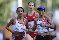 Inés Melchor, Gladys Tejeda y Cristhian Pachecho en el Mundial Media Maratón