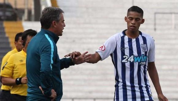 Kevin Quevedo debutó en Alianza Lima en el 2017 bajo la dirección técnica de Pablo Bengoechea | Foto: Agencias