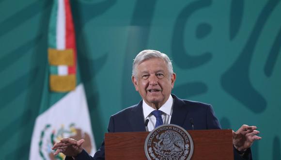El presidente de México, Andrés Manuel López Obrador, habla durante su conferencia de prensa matutina en Palacio Nacional. (EFE/Sáshenka Gutiérrez).
