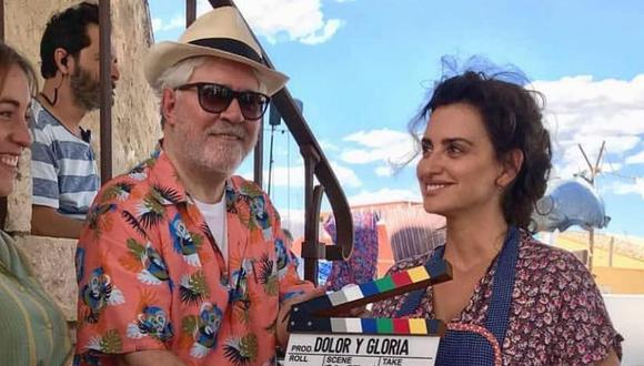 """Almodóvar durante el rodaje de """"Dolor y gloria"""" junto a Penélope Cruz, otra de sus musas."""