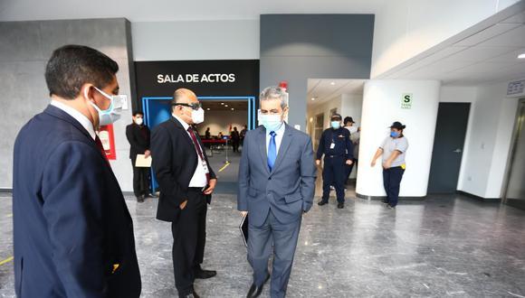 El suspendido fiscal supremo Tomás Gálvez no podrá ejercer funciones en el MInisterio Público durante seis meses (Foto: GEC).