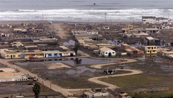 Los balnearios de Camaná (Arequipa) fueron los más afectados por el sismo y maremoto ocurrido un día como hoy de 2001. Foto: GEC Manuel García Miró/ Archivo
