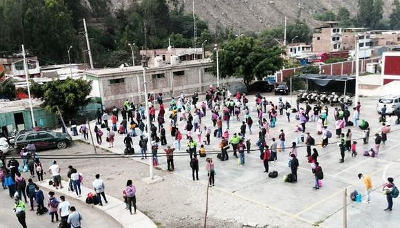 Las más de 500 personas señalaron a las autoridades que tenían como destino las regiones de Huánuco, Huancavelica y Junín.