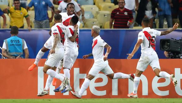Perú vs. Bolivia: Jefferson Farfán marcó espectacular golazo de cabeza para el 2-1 por Copa América | VIDEO. (Foto: AFP)