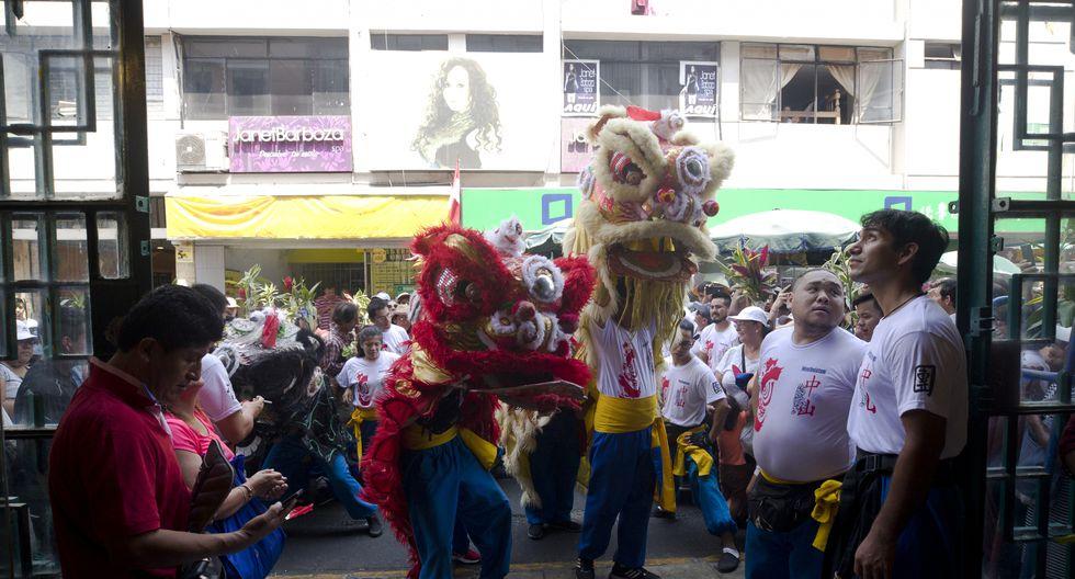 Leones salieron a recorrer todo el Barrio Chino, ubicado en el Centro de Lima. (Fotos: Renzo Salazar)