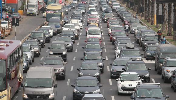 En el Perú se venden casi 170 mil vehículos al año, muy por debajo de los 23 millones en China. (Foto: GEC)