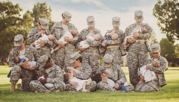 La foto de la lactancia para acabar con el tabú en el ejército