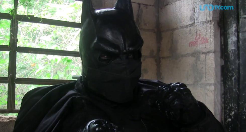 Este Batman no combate el crimen, sino la tristeza de los niños de Yucatán. (Foto: UnoTV | YouTube)