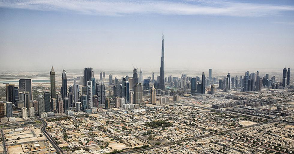 Los Emiratos Árabes Unidos lideran la región árabe en el ránking Doing Business y, en la edición 2018, la nación pasó del puesto 26 al puesto 21, destacando por su adecuada aplicación de contratos. Se supo, además, que la nación se encuentra entre los diez primeros a nivel mundial en cinco rubros del informe. El Banco Mundial reconoció los esfuerzos del país para mejorar los procedimientos y las leyes relacionadas con el proceso de creación de empresas y por facilitar los procedimientos para los inversores nacionales y extranjeros.