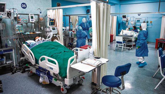 En las últimas semanas se ha reportado un incremento de pacientes hospitalizados por COVID-19. (AFP)