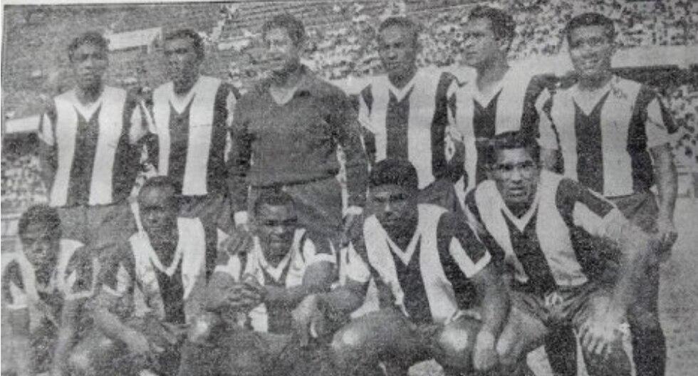 Alianza Lima se coronó campeón del año 1965 y consiguió su estrella número 14. (Fotos: historialblanquiazul.wordpress.com)