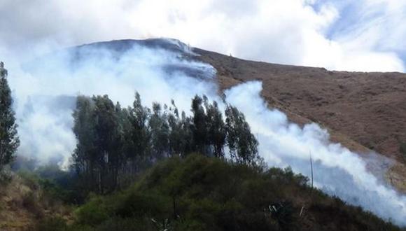 Incendio forestal no puede ser controlado desde el jueves
