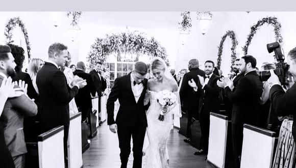 La modelo Hailey Baldwin acaba de publicar una serie de fotografías nunca antes vistas de su boda religiosa con el cantante Justin Bieber. (Foto: Instagram)