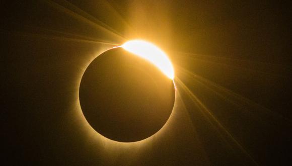 Un eclipse solar es el fenómeno que se produce cuando la Luna oculta al Sol, desde la vista de la Tierra. (Foto: AFP)