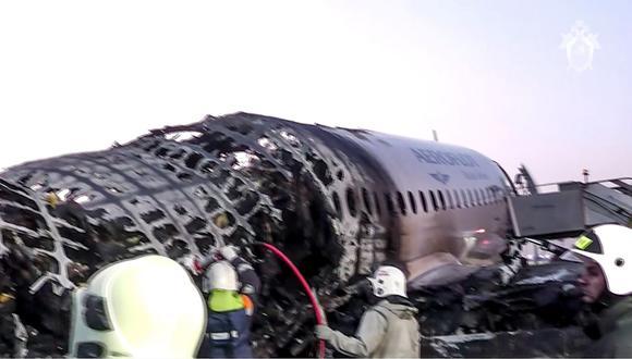 Rusia: Un rayo causó el incendio de avión donde murieron 41 personas. Foto: AFP