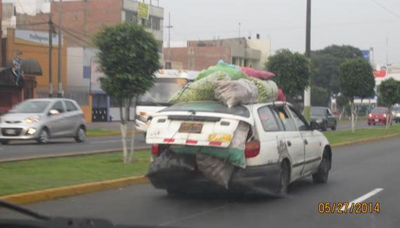 Otro auto con complejo de camión