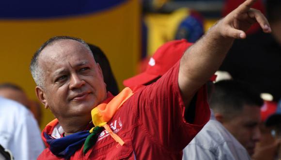 Diosdado Cabello gesticula durante una manifestación oficialista en Caracas (Venezuela), el 16 de noviembre de 2019. (Yuri CORTEZ / AFP).