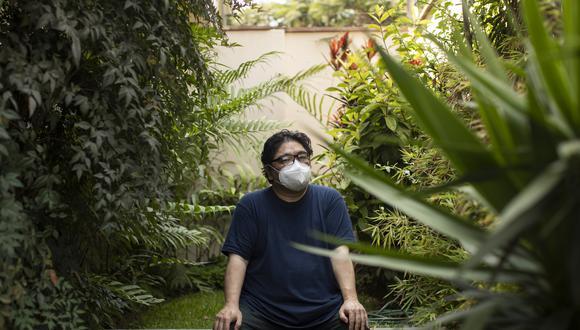 """Artista Eduardo Tokeshi participa en el proyecto De Voz a Voz Perú, con una obra titulada """"La distancia"""". Foto: José Rojas."""