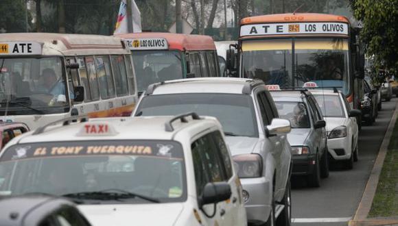 Los autos particulares sí irán por eje vial de la Av. Arequipa