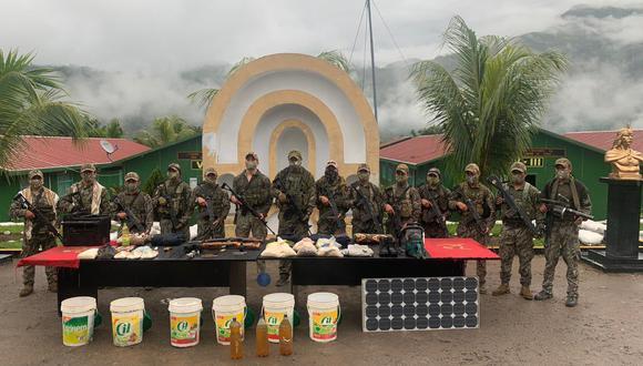 Cusco: entre lo incautado, las autoridades hallaron dos banderolas con el logo de la hoz y el martillo, así como materiales y alimentos diversos. (Foto: CCFFAA)