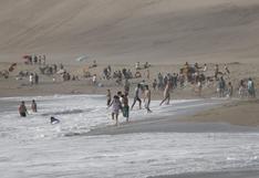Chorrillos: captan a grupos de personas bañándose en la playa La Chira pese a prohibición