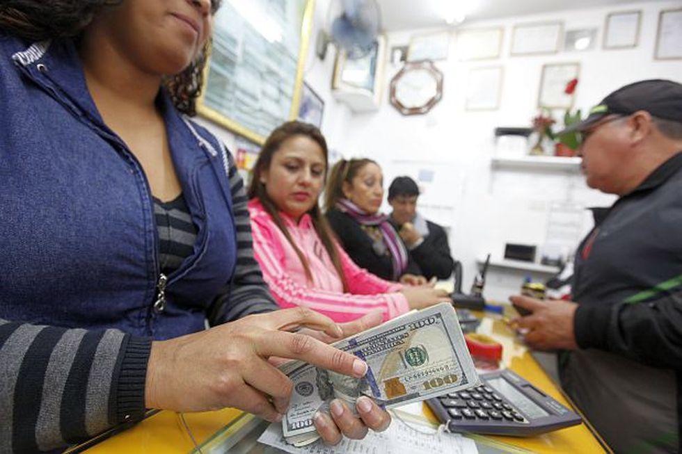 El dólar se vendía a S/3.310 en las casas de cambio este miércoles. (Foto: GEC)