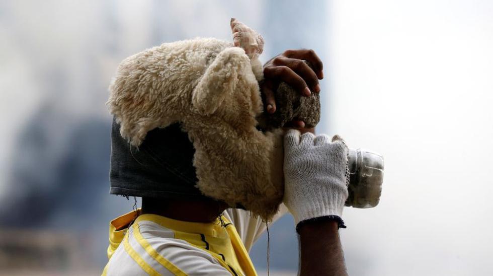 Protestas en Venezuela: Los creativos escudos y armas caseras - 12