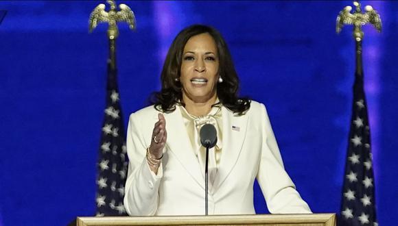 La vicepresidenta electa Kamala Harris pronuncia unas palabras en Wilmington, Delaware, tras la victoria de Joe Biden. (Foto de Andrew Harnik / POOL / AFP).