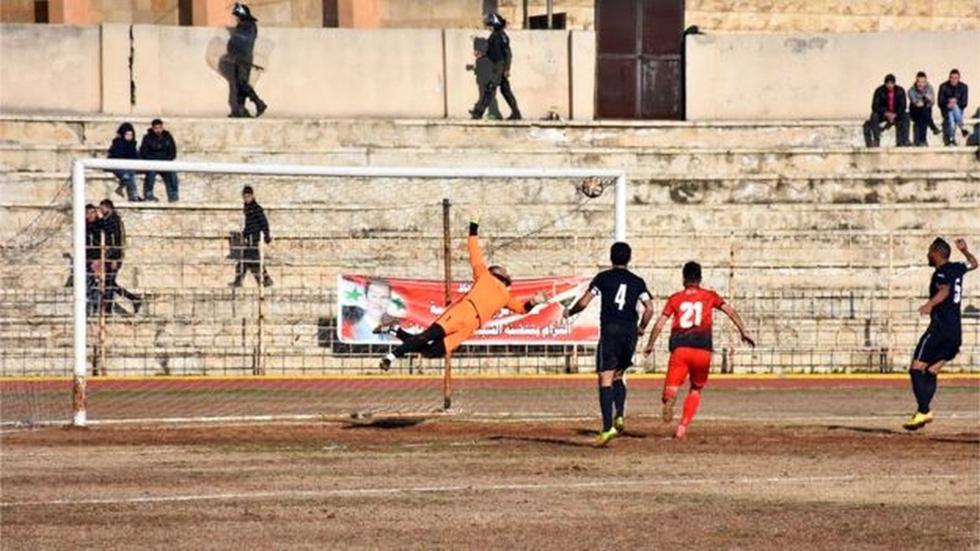 [BBC] Siria: El júbilo por el regreso del fútbol a Alepo - 3