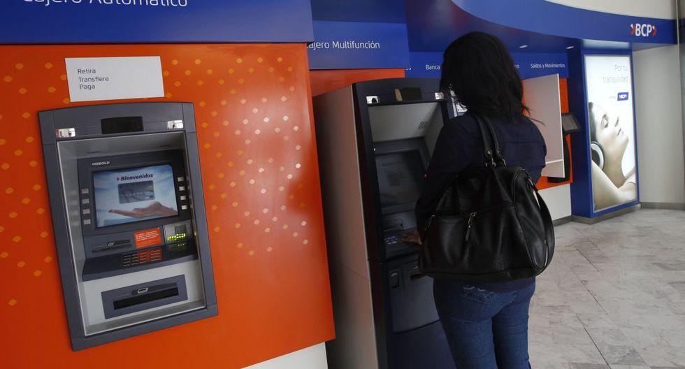 Clientes del Banco de la Nación podrán retirar bono de 380 soles en cajeros automáticos de cualquier entidad financiera. (GEC)