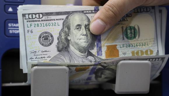 En el mercado paralelo o casas de cambio de Lima, el tipo de cambio se cotizaba a S/3,615 la compra y S/3,645 la venta. (Foto: Reuters)