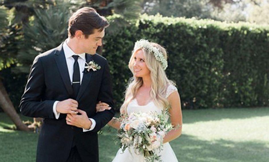 Ashley Tisdale se casó en secreto con Christopher French