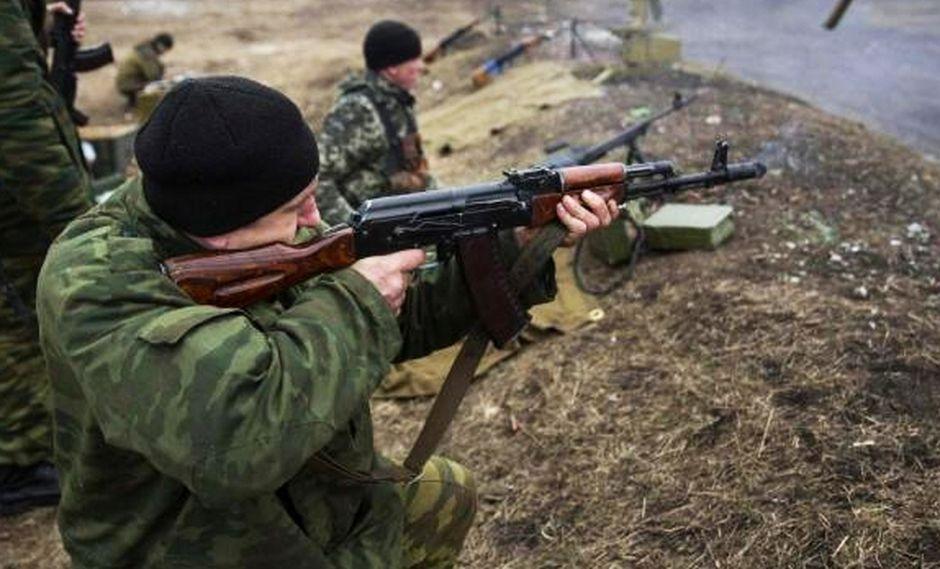 Kalashnikov abre local de souvenirs en el aeropuerto de Moscú