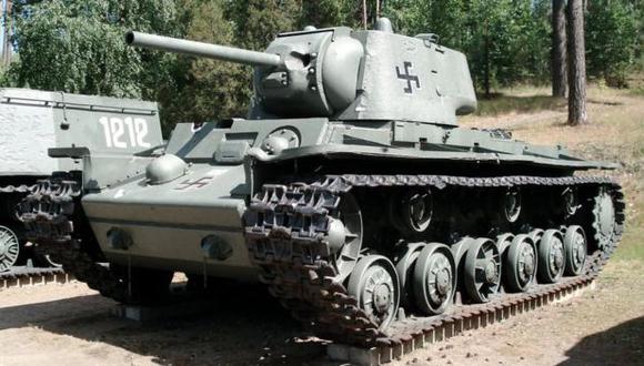 Uno de los Beutepanzer o tanques trofeo originalmente británicos que los alemanes retiraron del frente, repararon y usaron luego con una cruz alemana. Foto: Wiki Commons.