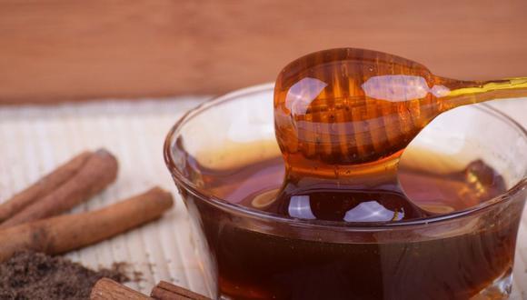 Come regularmente miel de abeja. (Foto: Pixabay)