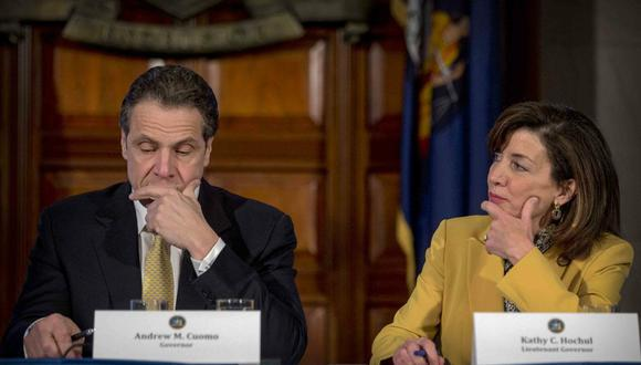 Andrew Cuomo eligió Kathy Hochul como su compañera de fórmula en las elecciones de gobernadores del 2014 y con ella ganó dos elecciones estatales para ese puesto. (Archivo / AP)