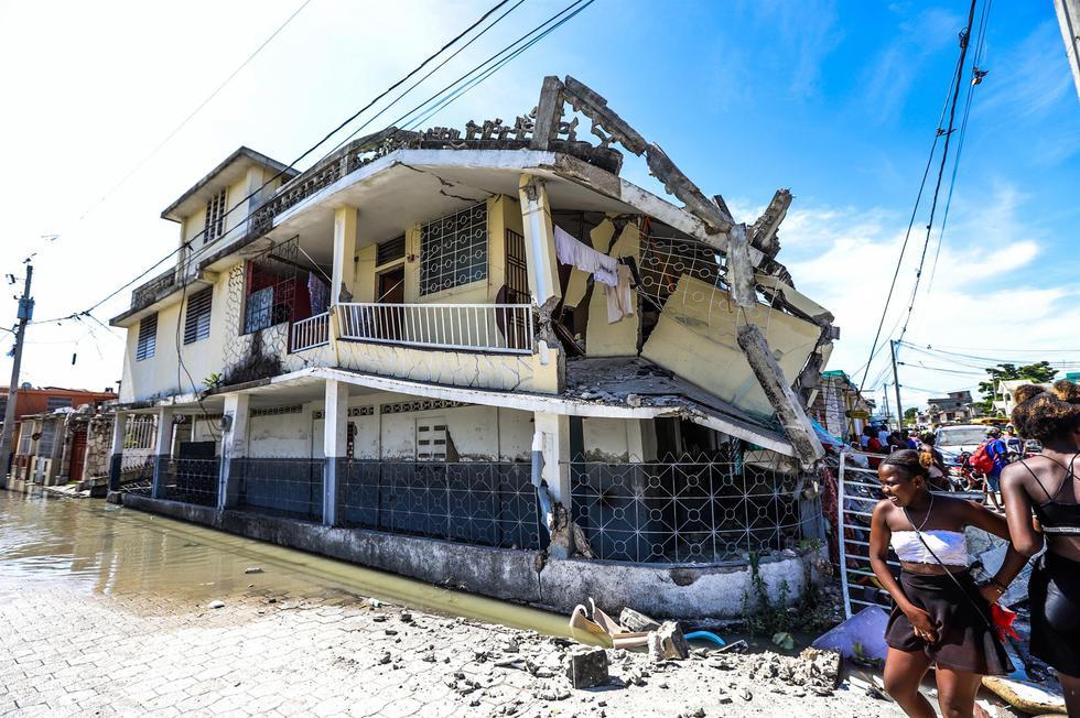 Fotografía de los efectos del terremoto de magnitud 7,2 en Los Cayos, Haití. (EFE/ Ralph Tedy Erol).