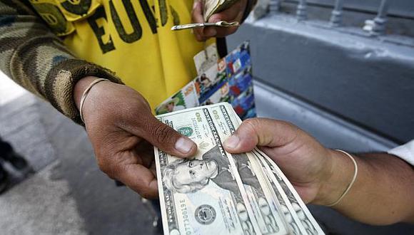 El tipo de cambio cotizaba a 3.307/3.308 soles por dólar en el mercado paralelo. (Foto: USI)