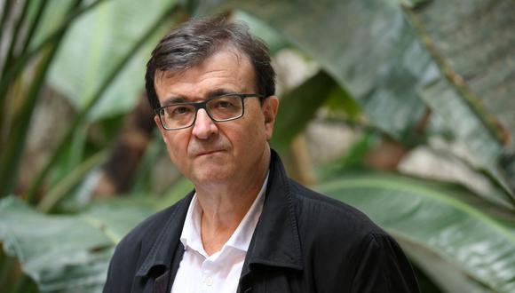 """Javier Cercas (Cáceres, 1962), es el autor de celebradas novelas como """"Soldados de Salamina"""", """"La velocidad de la luz"""" o """"Anatomía de un instante"""". Con """"Terra Alta"""", el inicio de la saga a la que le sigue """"Independencia"""", ganó el Premio Planeta 2019. (Foto: Lluis Gene/ AFP)"""