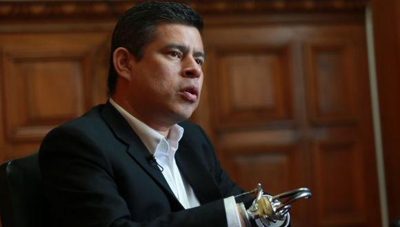 Fujimorismo espera transparencia en labor de Pablo de la Flor