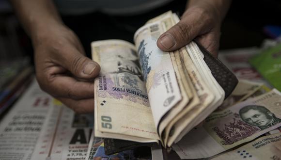 El precio del dólar en Argentina se mantiene estable. (Foto: AFP)