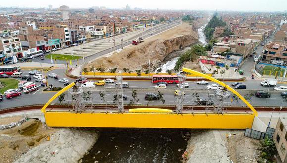 La Municipalidad de Lima indicó que la concesionaria Lima Expresa continúa con las inspecciones para verificar el estado de la estructura tras el incendio del último fin de semana. En la zona se registra congestión vehicular. (Foto: El Comercio - Referencial)
