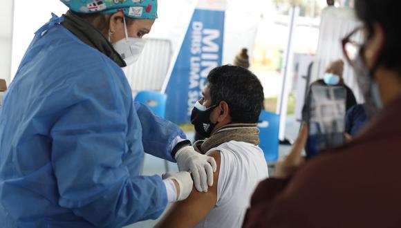 Se espera gran afluencia de personas en esta cuarta vacunatón contra el COVID-19. (Foto: El Comercio)