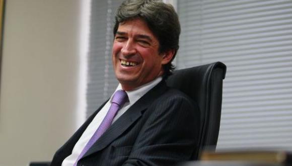El director que no se irá, por J. Eduardo Ponce Vivanco