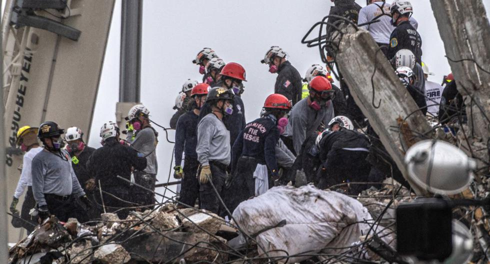 Death toll from Champlain Towers South building collapse rises to 60