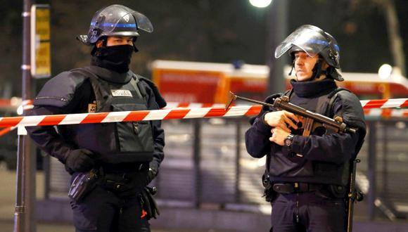 Francia prorroga estado de emergencia más de siete meses